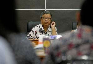 o ativista Dede Oetomo, da comunidade LGBT na Indonésia, durante uma coletiva de imprensa em Jakarta Foto: IQRO RINALDI / REUTERS