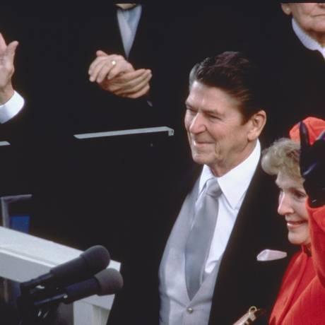 Ronald com Nancy Reagan, na posse de seu primeiro mandato, em 1981 Foto: Arquivo