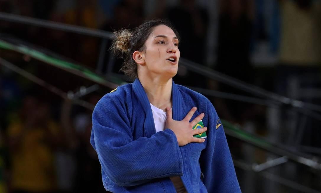 Mayra comemora ao vencer a luta na disputa pelo bronze; ela é número 4 do mundo em sua categoria Marcelo Carnaval / Agência O Globo