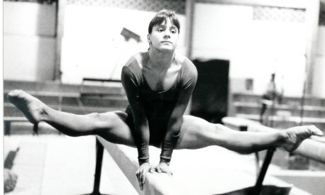 Apresentação. Luísa Parente se exercita na barra: pioneira na ginástica artística, com um 35º lugar na classificação geral individual, em Seul-1988 Foto: Reprodução