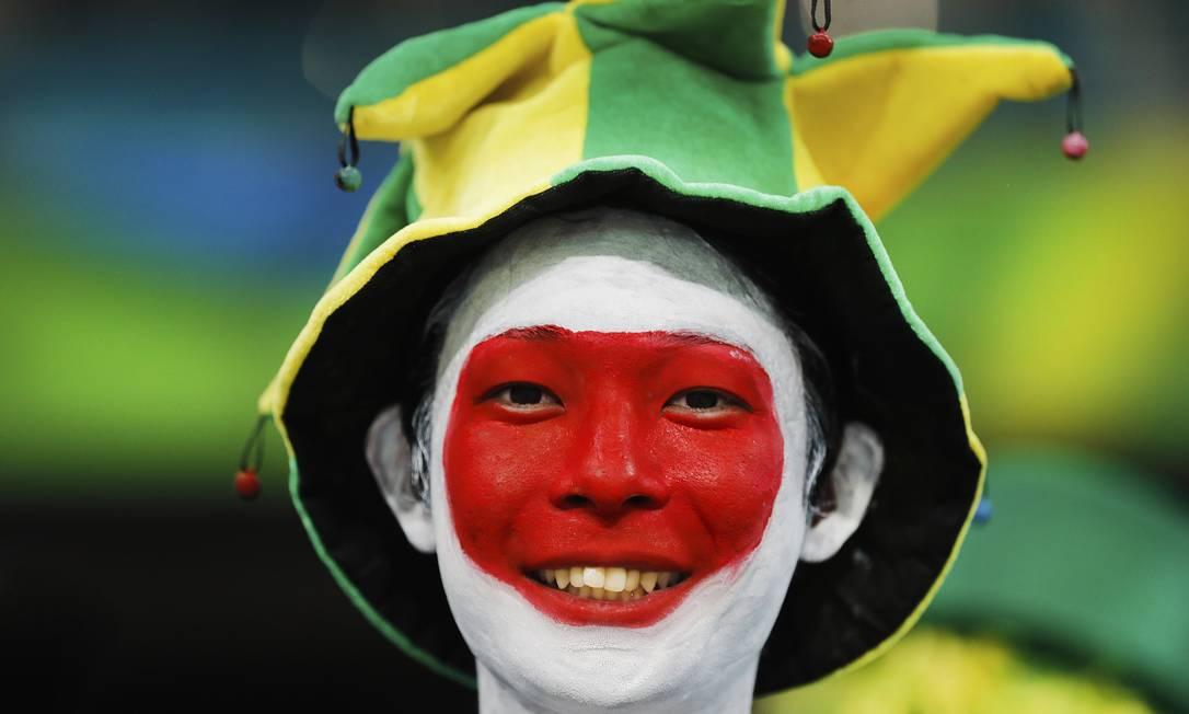 Torcedora japonesa aguarda jogo Japao X Suecia na Arena Fonte Nova ANTONIO SCORZA / Agência O Globo