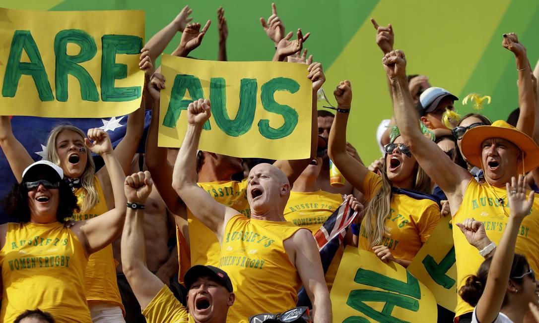 Torcida australiana durante jogo de rugby feminino entre Austrália e Canadá Themba Hadebe / AP