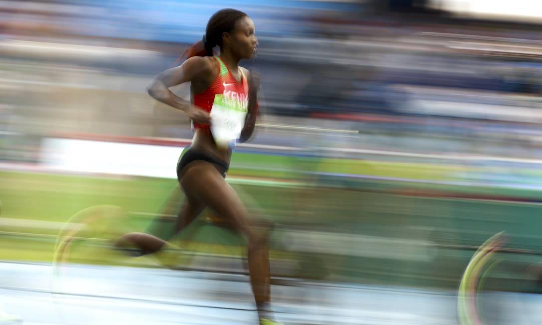 O bronze ficou com a irmã da antiga recordista, a etíope Tinueresh Dibaba LUCY NICHOLSON / REUTERS