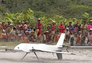 Aeronave decola e pousa na vertical, e serve de apoio para equipes médicas em vilas afastadas Foto: AP