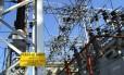 Transformadores e linhas de energia em São Paulo