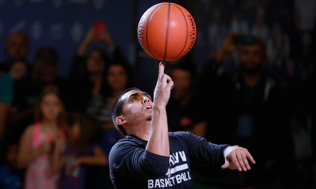 Casa da NBA foi palco de malabarismos com bolas de basquete Pablo Jacob / Agência O Globo