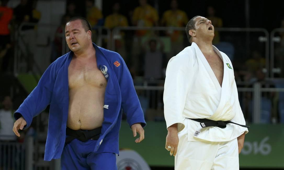 Após a derrota para Riner, o brasileiro se reinventou e buscou a recuperação em busca pelo bronze. Na repescagem, derrotou o holandês Roy Meyer por um shido (punição), pavimentando o caminho em direção ao pódio. TORU HANAI / REUTERS