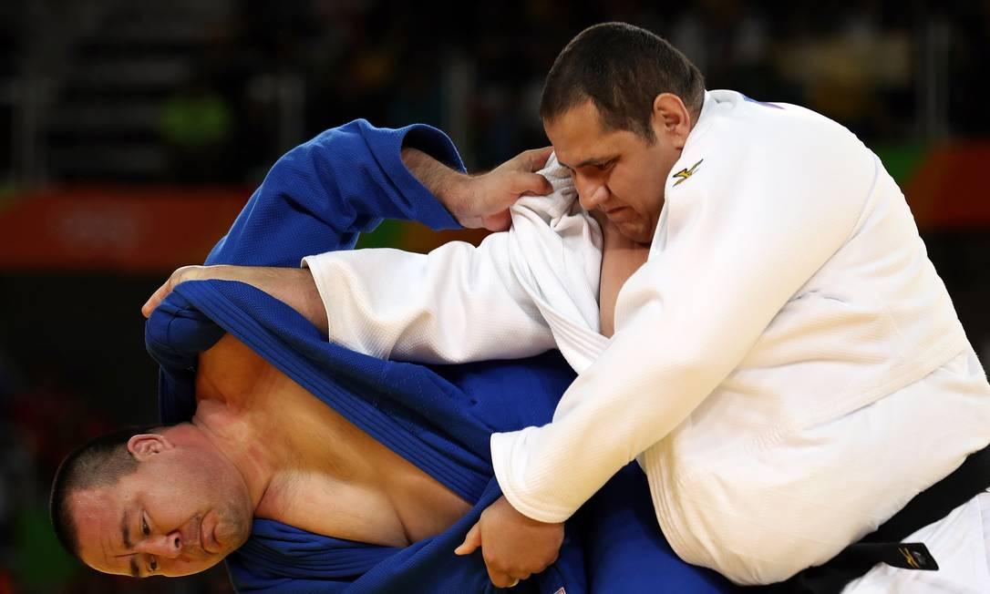 Antes de marcar o yuko, o brasileiro já vinha administrando um resultado favorável, já que o uzbeque tinha levado duas punições, contra apenas uma de Baby Julio Cesar Guimarães / UOL/NOPP