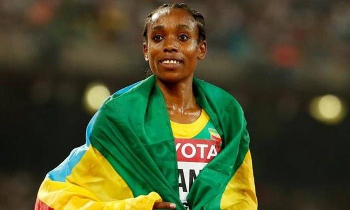 A etíope Almaz Ayana é a nova detentora do recorde mundial dos 10.000m livre Foto: Divulgação / COI