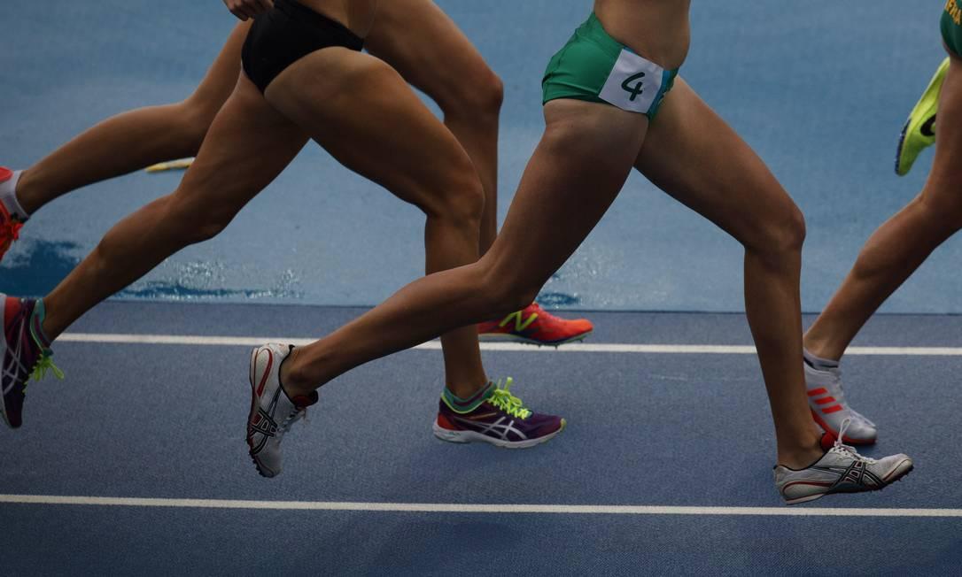 Atletas do 10.000m feminino, no primeiro dia das provas de atletismo da Olimpiada Rio 2016, no Estadio Olimpico, o Engenhao, no Rio de Janeiro. Quem venceu a prova foi a etiope Almaz Ayana Daniel Marenco / Agência O Globo