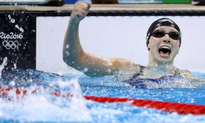 Como de praxe, a americana Katie Ledecky não deu chances às rivais nos 800m livre Foto: Divulgação / COI