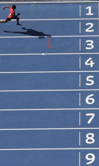 Hassan Saaid, das Maldivas, vence bateria dos 100m rasos Morry Gash / AP
