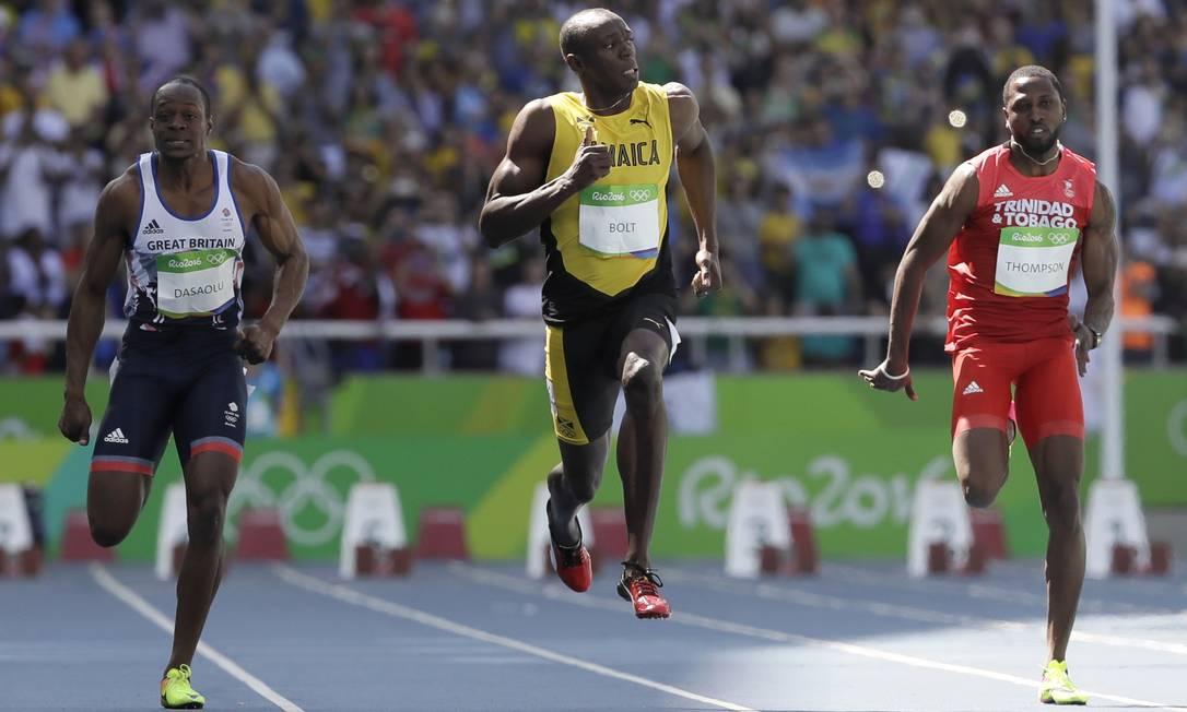 Mesmo liderando a prova, Bolt teve a quarta melhor nota para a próxima fase David J. Phillip / AP