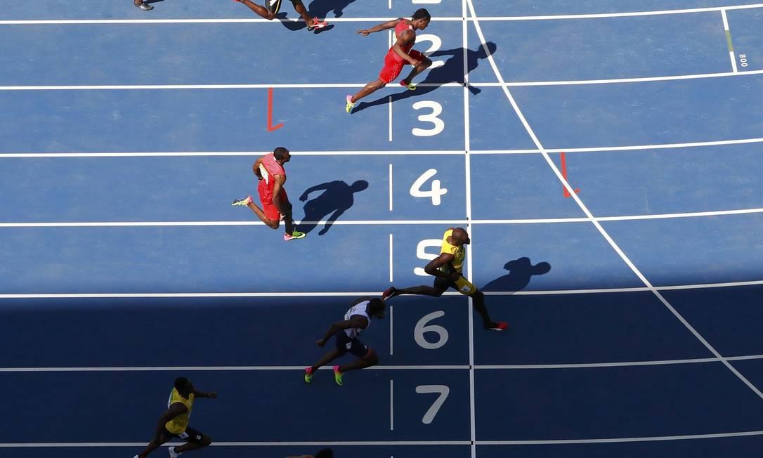 Ele completou a corrida em 10 segundos e sete décimos FABRIZIO BENSCH / REUTERS