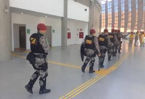 Homens da Força Nacional reforçam a segurança na Arena 1 Foto: Eduardo Zobaran / Agência O Globo