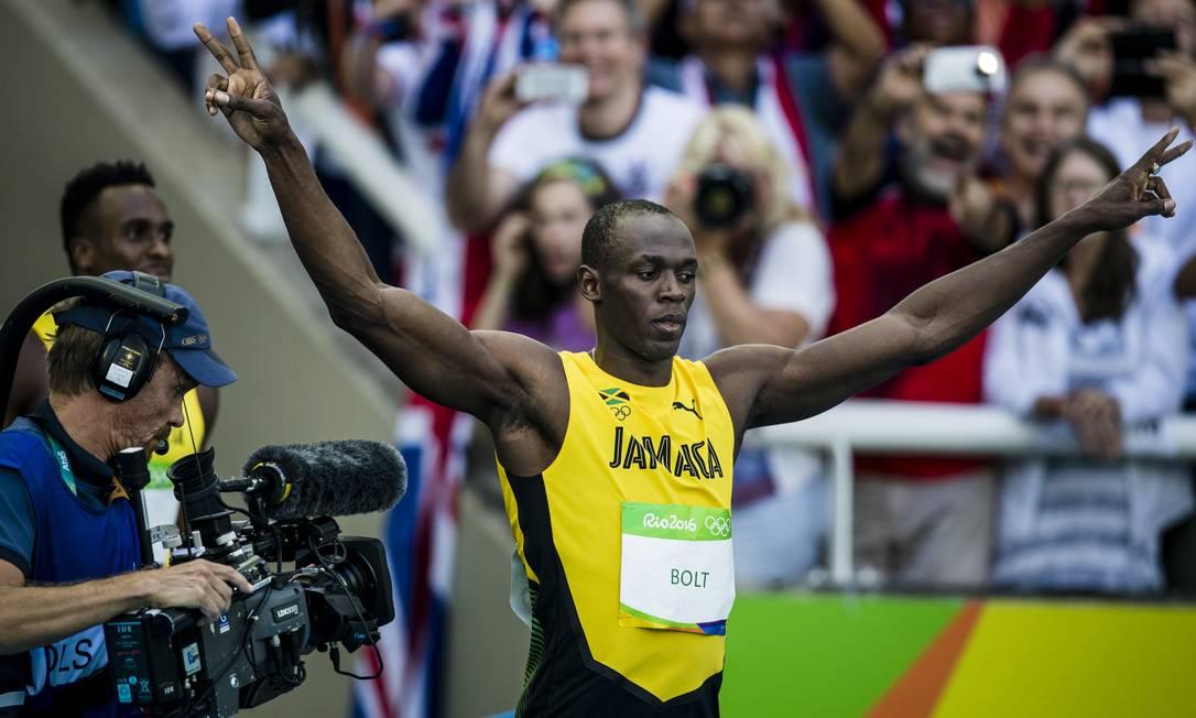 O atleta jamaicano comemora o resultado Adriano Vizoni / Folhapress/NOPP