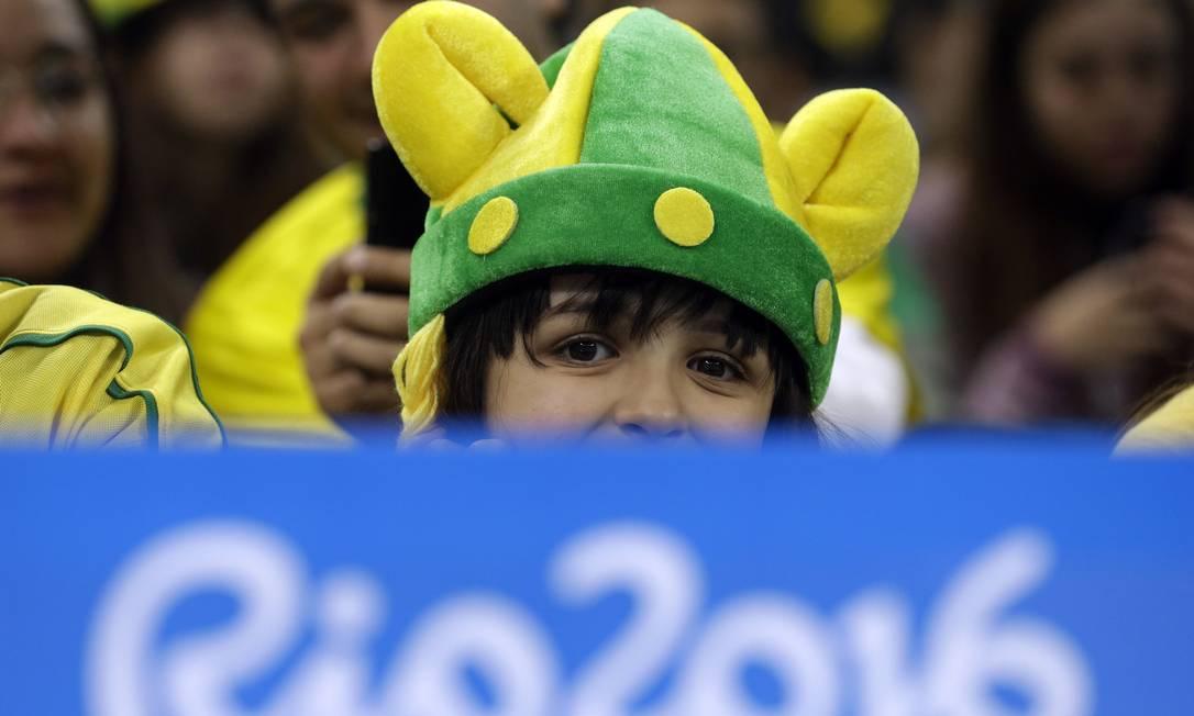 A torcida brasileira marcando presença no Itaquerão Leo Correa / AP