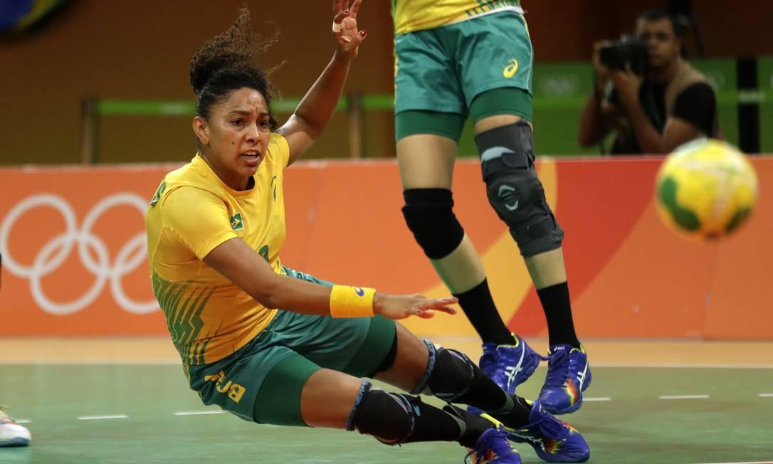 Mesmo que empate em pontos com a Noruega, o Brasil fica na frente. O critério de desempate é o confronto direto, vencido pela seleção brasileira. Ben Curtis / AP