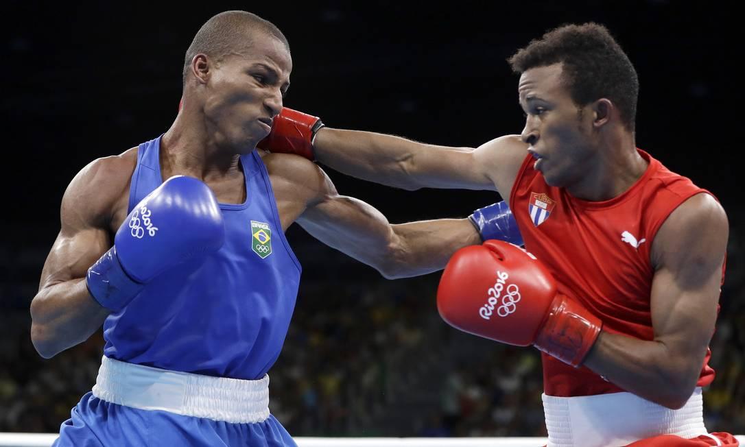 Com o bronze já garantido, Robson precisava vencer para poder brigar pelo ouro Frank Franklin II / AP