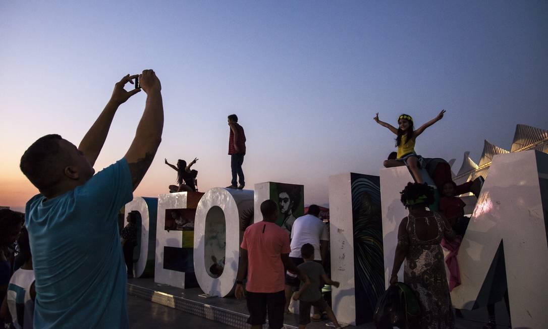E o entardecer no Rio de Janeiro ajuda a deixar as fotos melhores Hermes de Paula / Agência O Globo