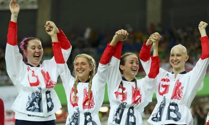 A equipe britânica feminina de ciclismo de pista bateu o novo recorde na modalidade perseguição por equipes, com o tempo de 4m10s236 Foto: Divulgação / COI