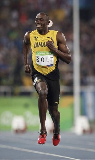 O jamaicano Usain Bolt venceu sem dificuladaes a semifinal dos 100m rasos Daniel Marenco / Agencia O Globo / Agência O Globo