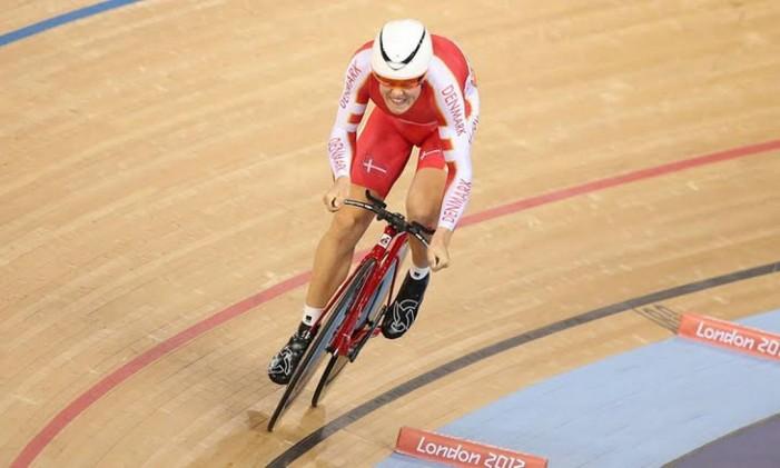 O ciclista dinamarquês é o novo recordista olímpico da perseguição individual, prova de quatro quilômetros, com o tempo de 4m14s982. Foto: Divulgação / COI