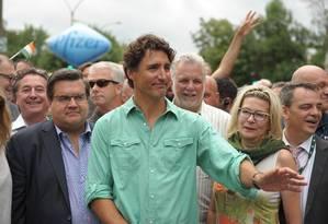 Justin Trudeau, primeiro-ministro do Canadá, participou de Parada Gay em Montreal Foto: MARC BRAIBANT / AFP