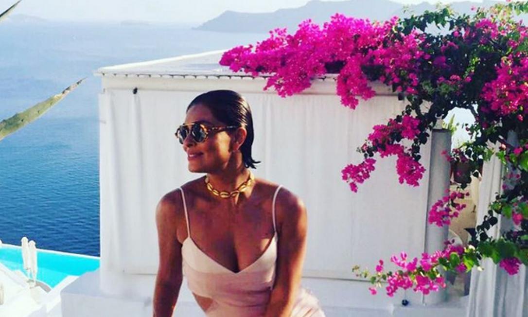 Juliana Paes, por exemplo, tem curtido a vida adoidado na Grécia. A atriz não tem poupado seus seguidores com cliques majestosos nas ilhas do país. Santorini ficou pequena para a beleza da atriz Instagram