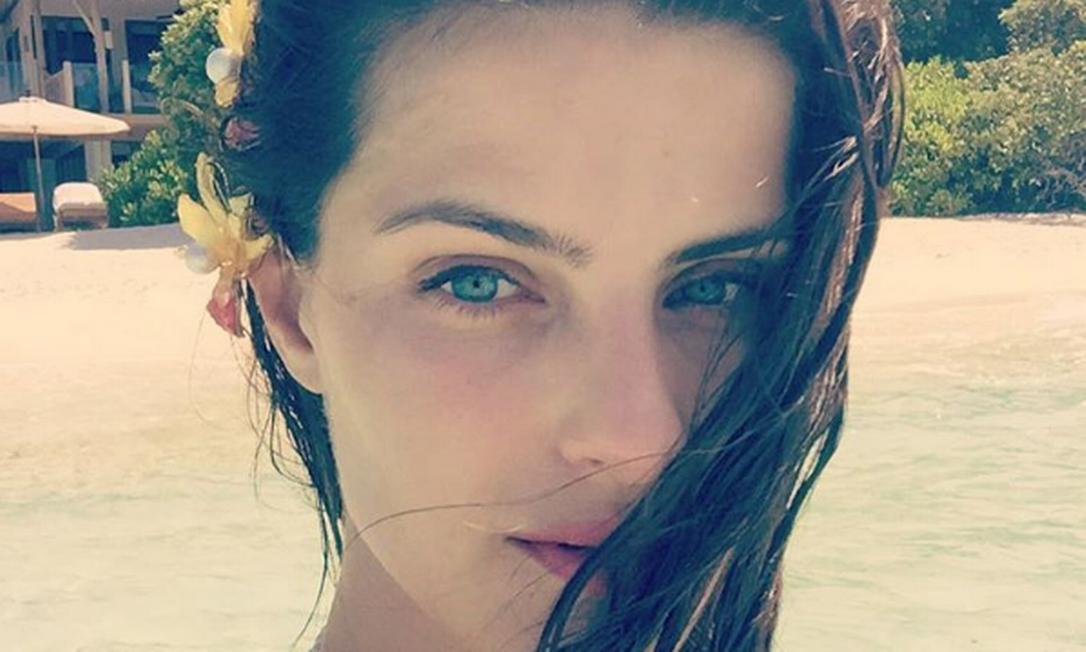 A beleza natural da top brasileira tem impressionado Instagram
