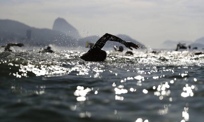 Nadadora francesa é desclassificada e Poliana Okimoto conquista o bronze