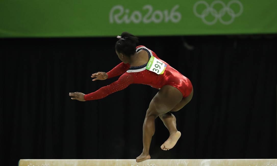 Ela balançou... Dmitri Lovetsky / AP