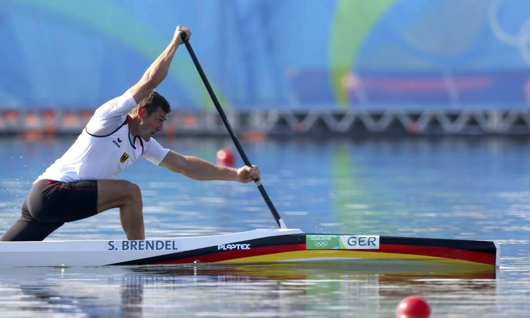 Sebastian Brendel fez o melhor tempo da segunda-feira na Lagoa Rodrigo de Freitas e avançou diretamente à final do C1 1000m Foto: / Murad Sezer/Reuters