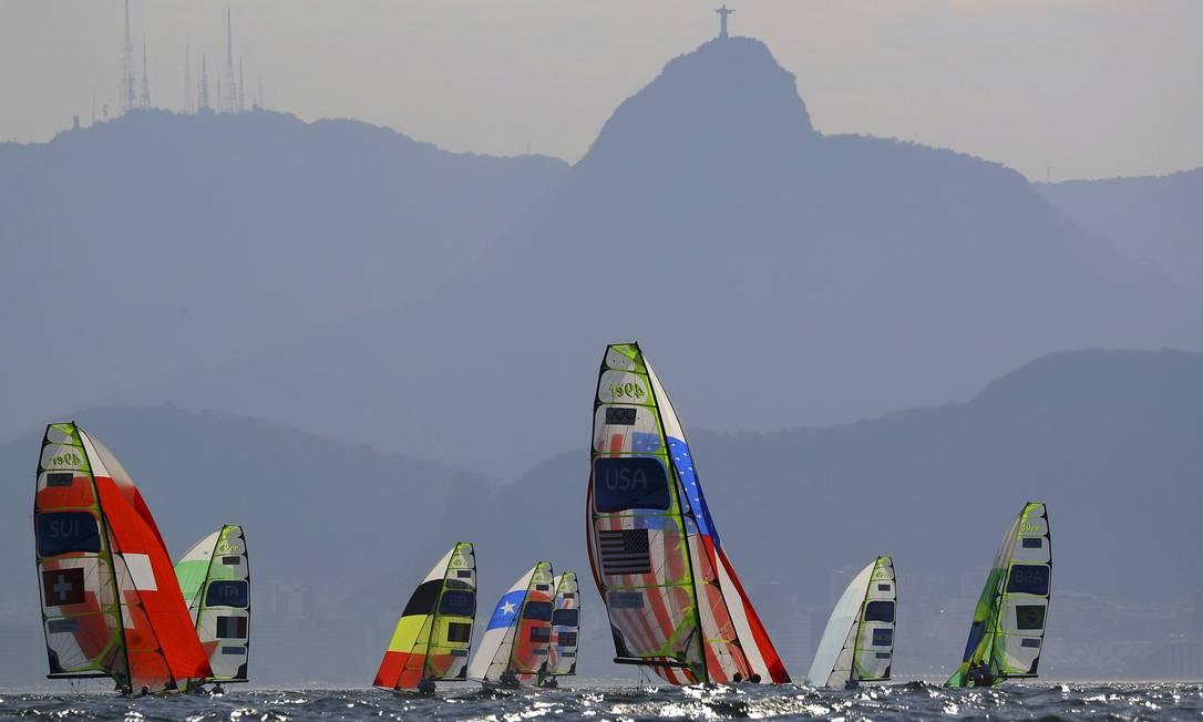 Duplas de Suíça, Estados Unidos e Brazil durante a regata BRIAN SNYDER / REUTERS