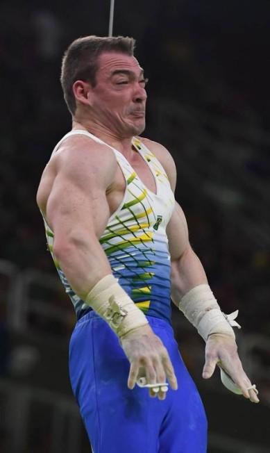 Logo após descer do pódio, Zanetti, hoje com 26 anos, afirmou que tentará recuperar o título olímpico em Tóquio-2020. TOSHIFUMI KITAMURA / AFP