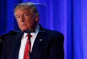 Trump é fotografado durante leitura de teleprompter em seu discurso de política externa e combate ao terror Foto: ERIC THAYER / REUTERS