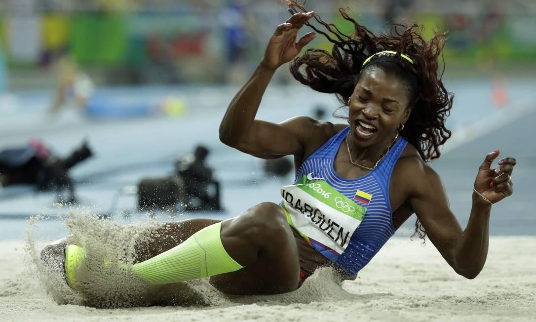 A colombiana Caterine Ibarguen na final do salto trio Matt Dunham / AP