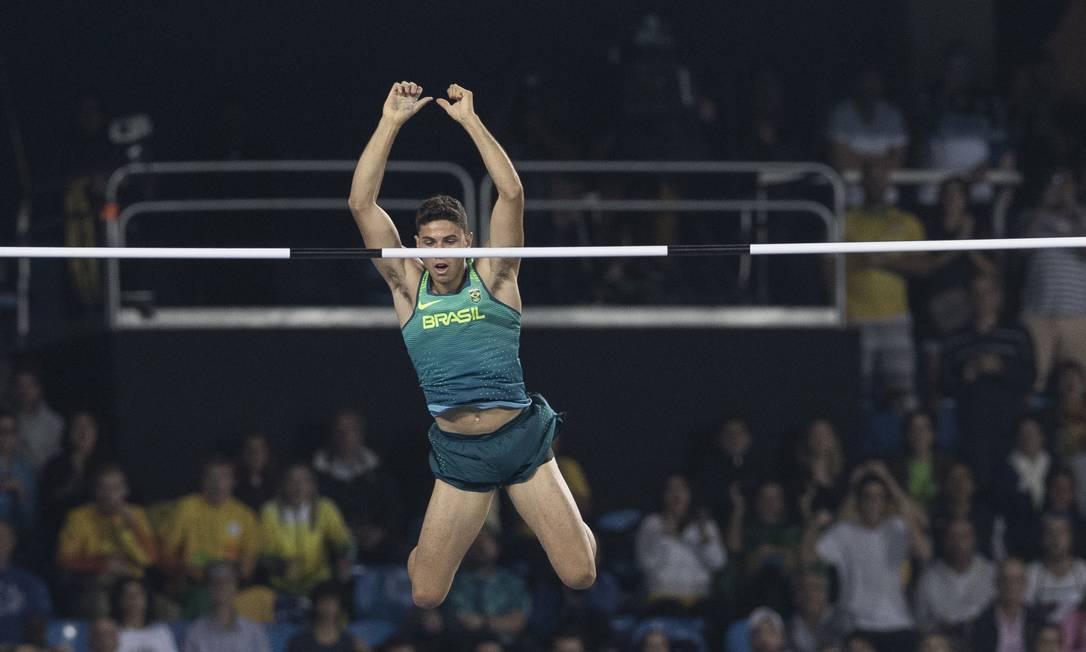 O saltador brasileiro superou o recordista mundial Renaud Lavillene Alexandre Cassiano / O Globo/NOPP