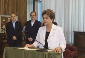 Dilma defende plebiscito para novas eleições e reforma política em carta a brasileiros Foto: Reprodução internet