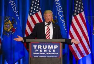 Donald Trump discursa em um evento de campanha em West Bend, Wisconsin Foto: Darren Hauck / AFP