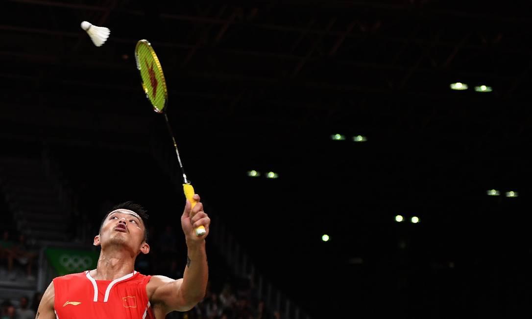 No primeiro set, Lin venceu por 21 a 6 GOH CHAI HIN / AFP