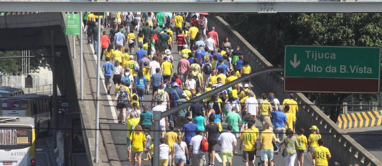 Arredores do Maracanã para o jogo Brasil x Honduras Foto: Paulo Nicolella / Agência O Globo