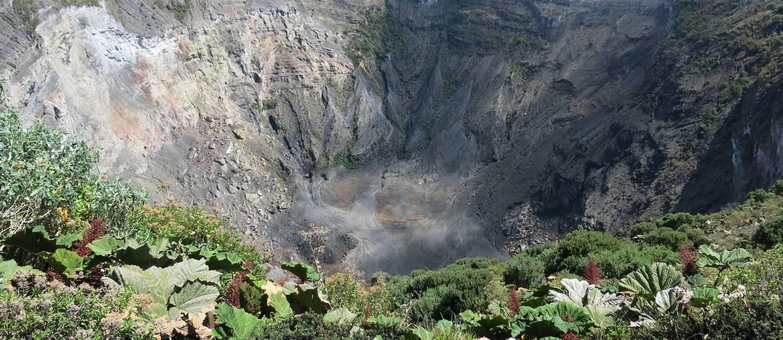Irazú, vulcão na Costa Rica Foto: Carolina Mazzi / Agência O Globo
