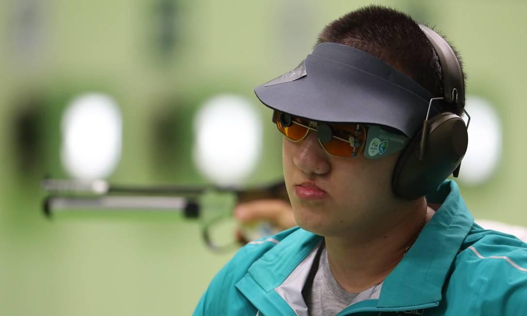 Felipe Wu se classifica para as finais de pistola de ar de 10 metros Marcelo Carnaval / Agência O Globo