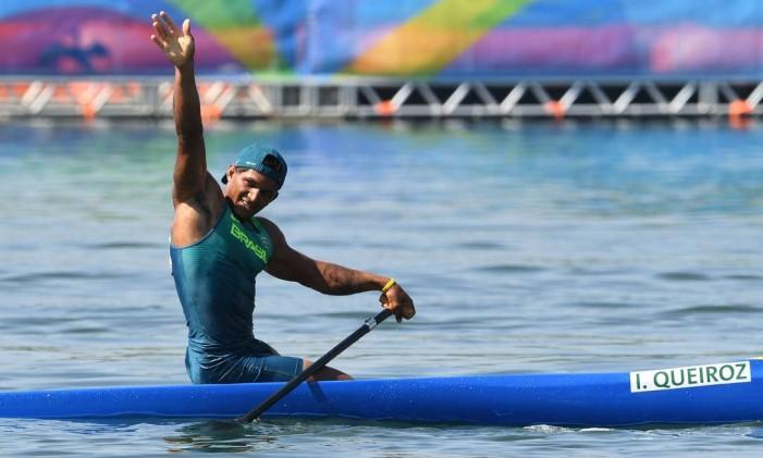 Isaquias Queiroz subiu duas vezes ao pódio do Rio-2016 Foto: DAMIEN MEYER / AFP