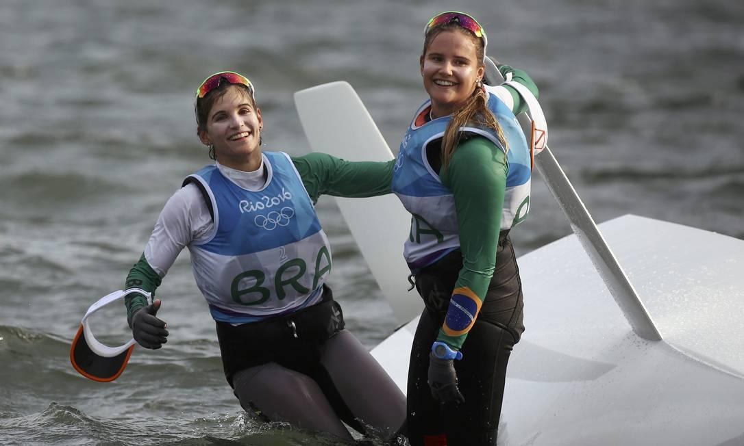 As campeãs olímpicas da classe 49er FX: Martine Grael e Kahena Kunze BENOIT TESSIER / REUTERS