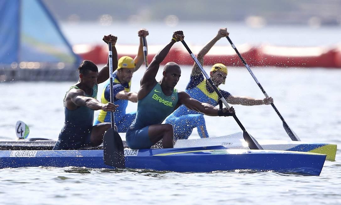 Ao lado de Erlon Silva, o canoísta brasileiro Isaquias Queiroz se classificou para a final da cateoria canoa dupla 1000m (C2 1000m) MURAD SEZER / REUTERS