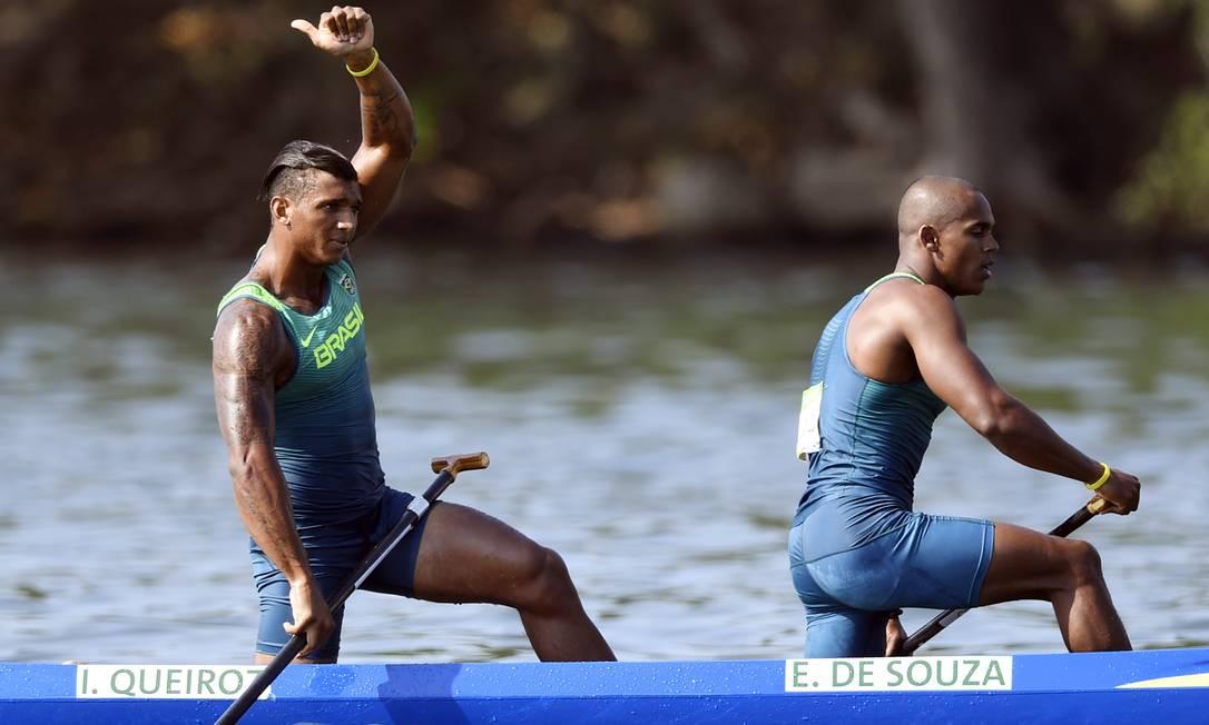 Os dois passaram direto para a decisão, que será disputada neste sábado DAMIEN MEYER / AFP