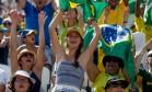 Torcedores brasileiros dão show de alegria e vaias nas arquibancadas as arenas Foto: Pedro Kirilos/Agência O Globo