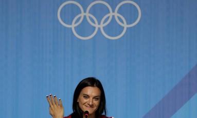 A russa Yelena Isinbayeva, durante entrevista coletiva no Centro de Imprensa dos Jogos Foto: Gregory Bull / AP